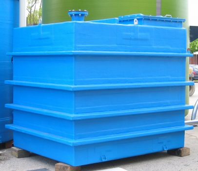 Rectanuglar GRP Tank For Holding Chemicals with Strenghtening Ribs